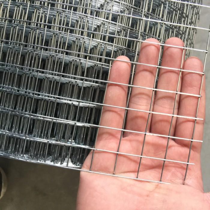 Welded mesh fencing